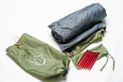 trekker tent 2.2 stakes and bag